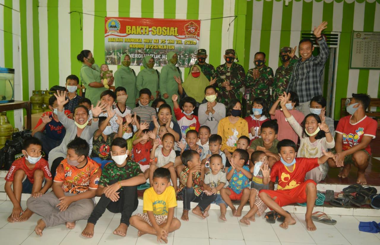 Sambut HUT TNI Dandim Klaten Kunjungi Panti Asuhan dan Masyarakat Kurang Mampu